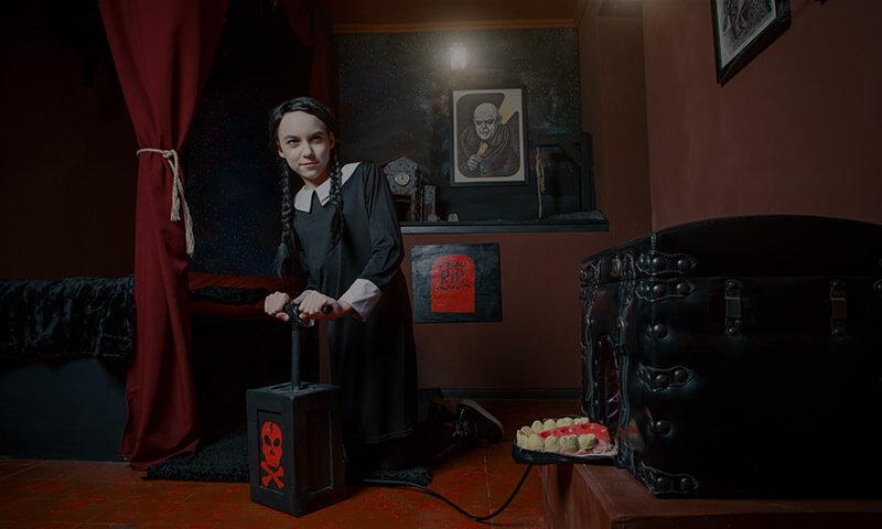 Фото квест комнаты В гостях у семейки Аддамс в городе Киев